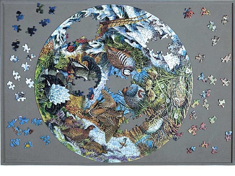 Jigsaw puzzle board - enjoyable puzzle making